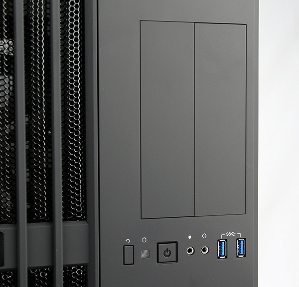 The Carbide 540 offers two front-facing USB 3.0 ports, which is decent, but more is always welcomed.