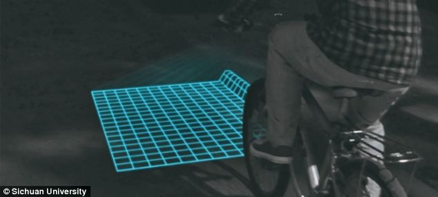 This is what it looks like when you ride with the Lumigrids. A bit reminiscent of the movie Tron, don't you think?