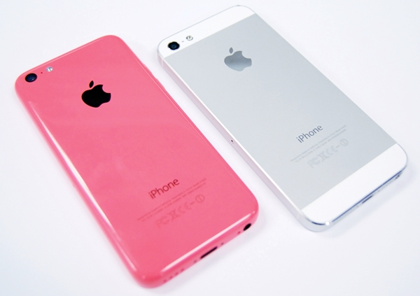 The iPhone 5C may replace the iPhone 5 as the new mid-tier device in Apple's portfolio, but it is unable to replicate the premium finish of the outgoing unit's aluminum chassis.