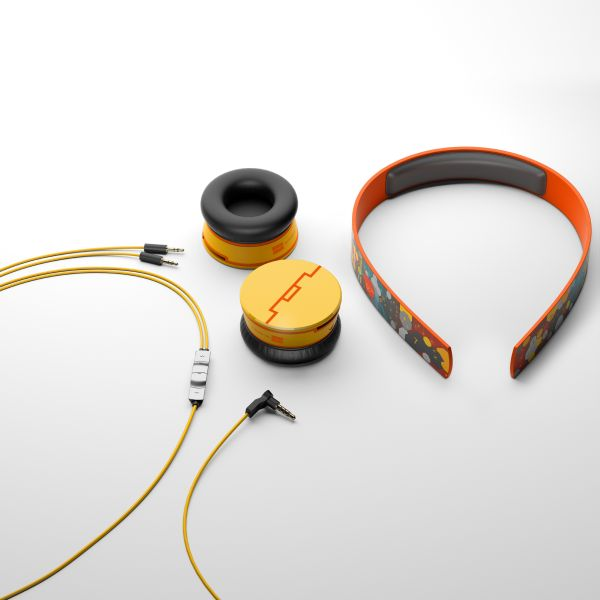 All Sol Republic Tracks headphones, like this Deadmau5 version, is modular and fully customizable.