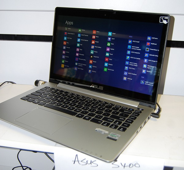 The Zenbook Prime however doesn't have a touchscreen. The ASUS Vivobook S400 pictured here is a 14-inch machine with a touchscreen and goes for only S$1049. While the screen resolution is just 1366 x 768 pixels, the other specs are similar to the Zenbook Prime UX32VD such as a Core i5-3337, 8GB RAM, 500GB HDD with a 24GB SSD cache. Graphics matters are taken care of the CPU's internal graphics core.