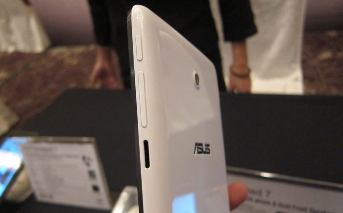 The ASUS FonePad 7 with its plastic back, is more of a re-positioning than an upgrade to the original FonePad.