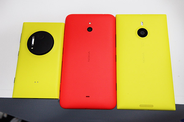 Rear view of the Lumia 1020 (left), Lumia 1320 (center) and Lumia 1520 (right).