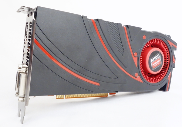 The AMD R9 270X card features a Pitcairn XT core that has been overclocked to 1050MHz.