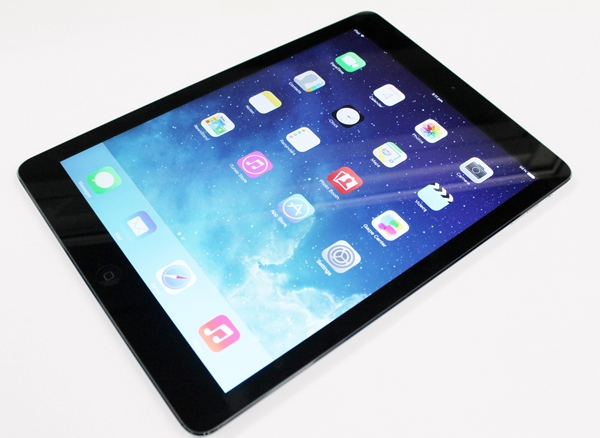 Can the Apple iPad Air float like a butterfly and sting like a bee?