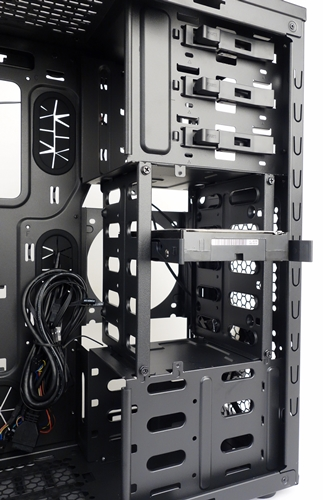 The removable HDD/SDD combo cage can fit up to four drives.