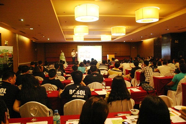 SMM Philippines held its first Internet cafe owners meeting at The Crowne Plaza Hotel in Ortigas last Saturday.