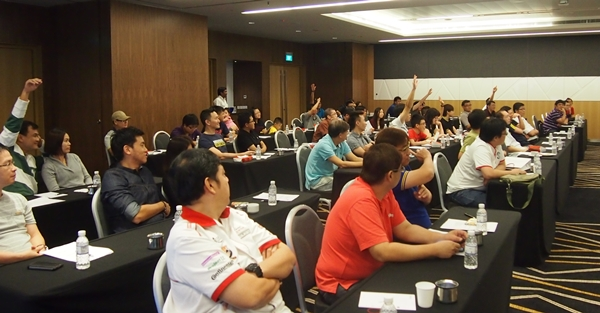 Attendees took part in a mini-game session where they could win a LG Photo Printer if they answered a question on the G Flex correctly.