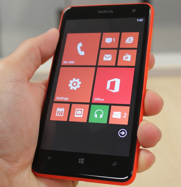 Can the affordable price tag of the Nokia Lumia 625 swing consumers to the Windows Phone camp?