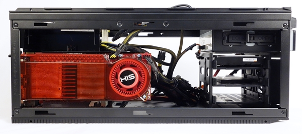 The HAF 915R has no issues with cards that are longer than 12 inches as can be seen from all the free space at the back of our 10.5-inch graphics card.