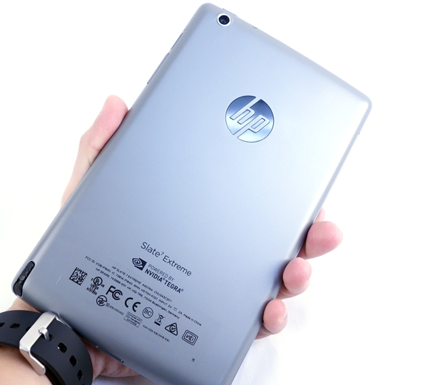The rear of the HP Slate 7 Extreme looks metallic, but it is actually made from hard plastic.