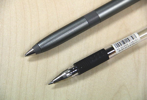 Here is the 1.9mm nib of the Jot Script stylus juxtaposed with a 0.7mm nib from a regular pen.