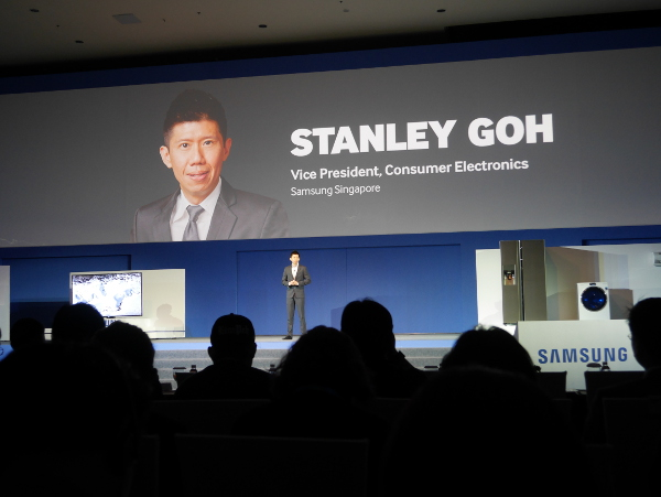 Mr Stanley Goh, the Vice President of Consumer Electronics, Samsung Singapore, introducing some interesting household appliances.