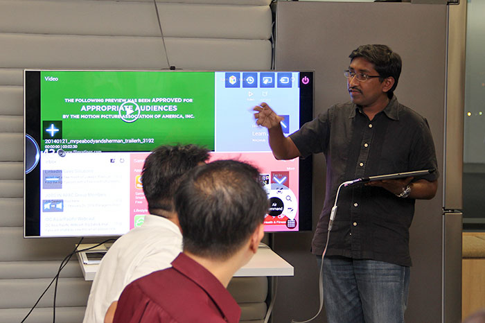 Here's Vijay Anand, Editor of HardwareZone.com, explaining the game mechanics.