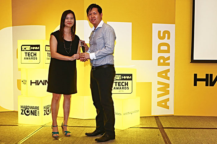 ASUS won a total of four awards, including Editor's Choice for Best Intel Motherboard, and Readers' Choice for Best Graphics Card Brand, Best Motherboard Brand, and Best Wireless Networking Brand. Here's Mr. Desmond Soh, Business Development Manager for ASUS, receiving the trophy.