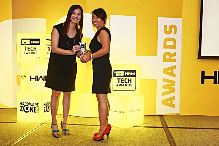 Challenger was voted Singapore's best consumer electronics chain store by our readers. Receiving the award was Ms. Anastasia Goh, Group Marketing Manager for Challenger.