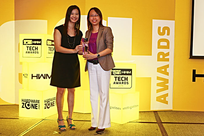 The Readers' Choice award for Best LED Printer Brand and Editor's Choice award for Best SOHO Color Laser/LED MFP went to Fuji Xerox. Ms. Jolene Yeo, Marketing Manager (ASEAN) for Fuji Xerox, was present to receive the trophies.