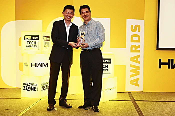 HGST, a subsidiary of Western Digital, was one of the four winners of our new Innovation award that's part of the Editor's Choice segment. The winning product was the HGST Ultrastar He6 6TB HDD. Mr. James Ho, VP, Asia Pacific, HGST Asia, was present to receive the award.