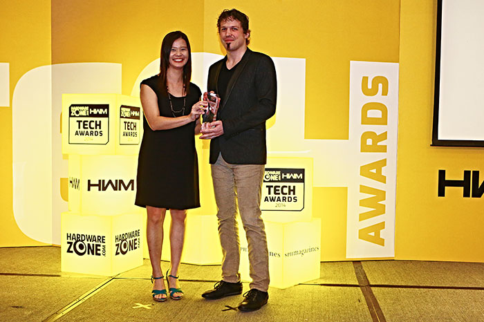 The Readers' Choice award for Best In-ear Earphones Brand went to Klipsch. Mr. Christine Honegger, Sales Director for Klipsch, was present to receive the award.