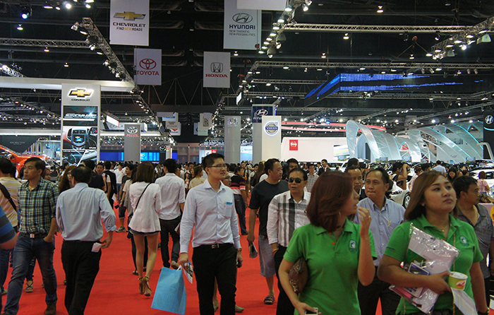 To say that the Bangkok Motor Show was crowded would be an understatement. Like Singaporeans, it's obvious that Thais love cars too.