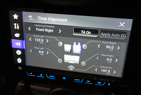 The flagship AVH-X8650T also features time alignment, a feature that was previously only available through a separate dedicated digital sound processor.