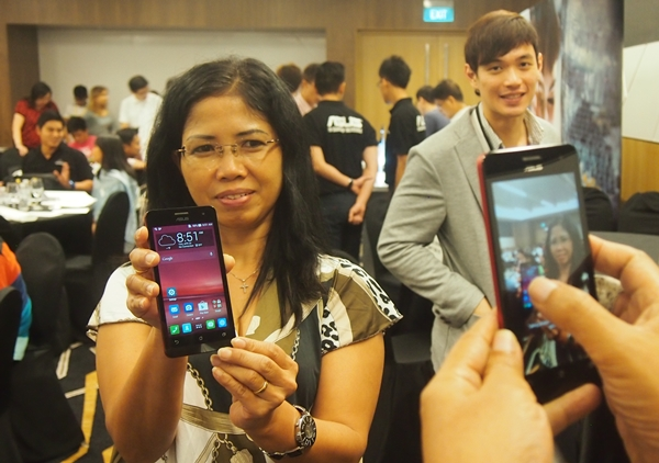 ASUS organized an exclusive hands-on session of the ZenFone 5 for 60 HardwareZone readers.