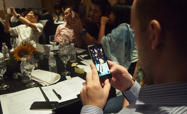 Attendees were guided through the different camera features of the ASUS ZenFone 5 and had the opportunity to test them out on the spot.
