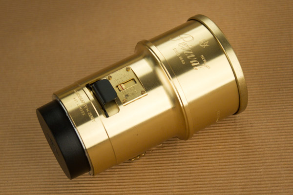 The full brass construction leaves no doubt the Petzval is a solid lens.
