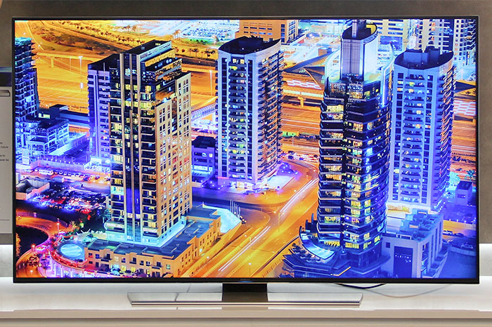 The U8500 is also a UHD TV, just that it isn't curved.