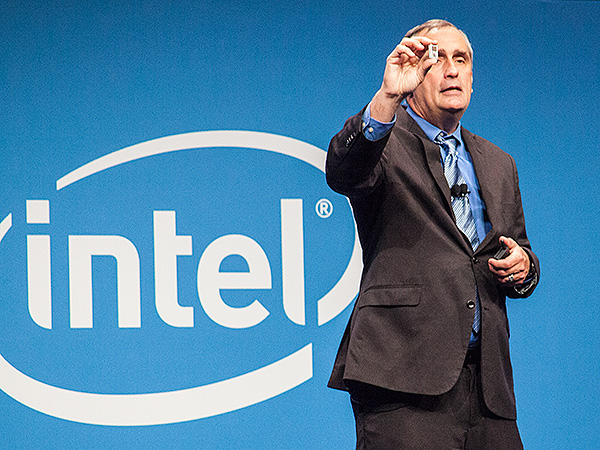 At IDF 2014 Shenzhen today, Intel CEO Brian Krzanich unveiled the new dual-core Atom-based Edison development board which is only about as large as an SD card.