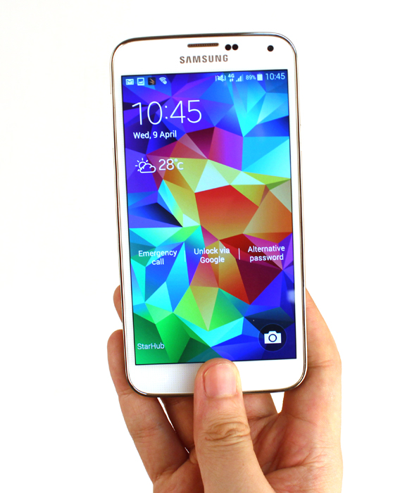 Some phone juggling may be required to fingerprint unlock the S5 one-handed.