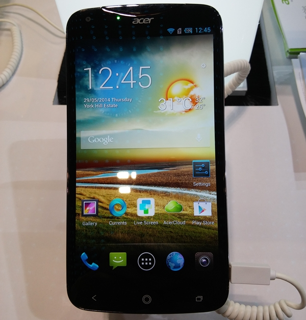 The Acer Liquid S2 is powered by a Qualcomm Snapdragon 800 quad-core 2.2GHz processor, 2GB RAM and Android 4.2.2 Jelly Bean. It has a 6-inch Full HD display with Gorilla Glass 3. Other specs include a 13-megapixel rear camera with F2.2 aperture, BSI sensor, 4K video recording capability and 4G connectivity. It is available at $599 (down from $799).