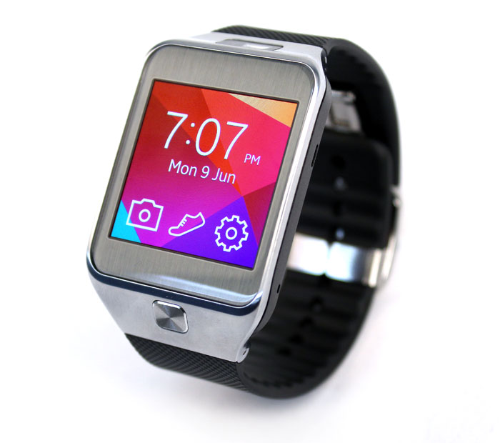 The Gear 2 looks cleaner and more polished, with all the tech fitted into the watch itself.