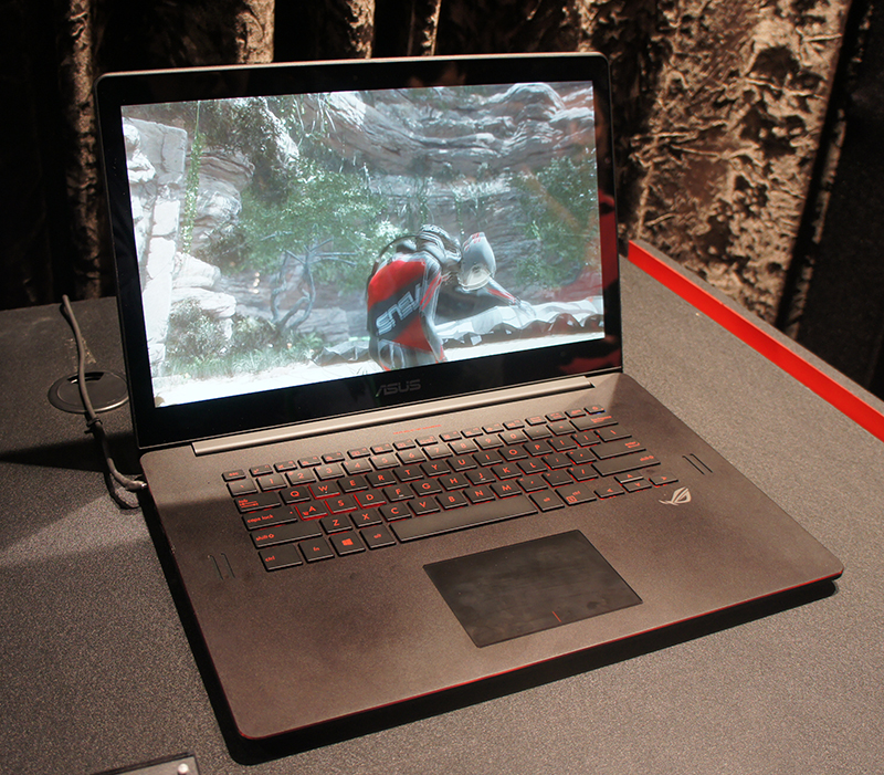 The ASUS ROG GX500 is super slim and sports a ultra-high resolution 4K IPS display.
