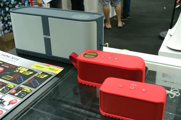 Here's a comparison shot we snapped at IT Show 2014. From left to right:- Solemate Max, Solemate and the Solemate Mini.
