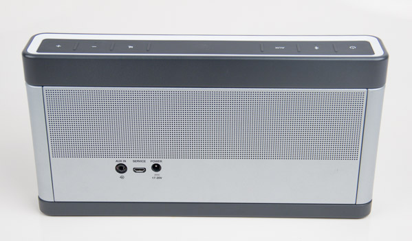 The rear of the SoundLink III is equally clean.