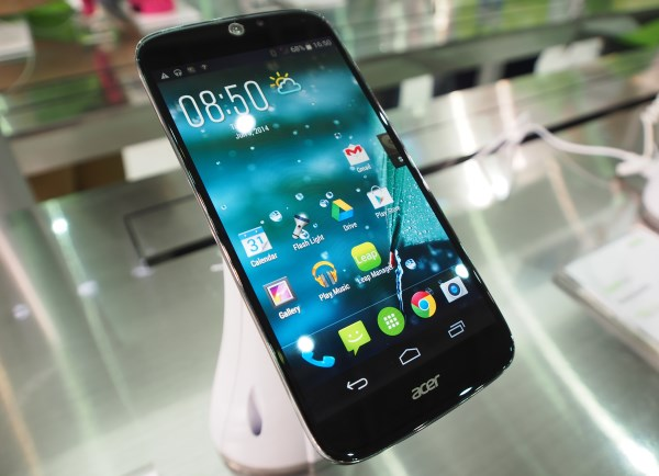 The Liquid Jade is a fully plastic phone, which feels thin, most likely to keep its weight as low as possible. The screen is remarkable vivid though.