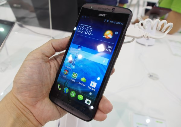 Acer Liquid E700 is a mainstream, but full-featured triple SIM smartphone running Android 4.4 KitKat.