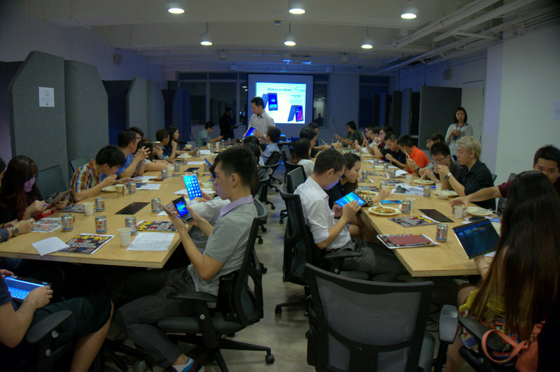 As the participants enjoy their dinner, they also get to be one of the first people in Singapore to try their hands on Samsung's Galaxy Tab S tablets and the ASUS Transformer Pad TF101C and TF303CL hybrid tablets.