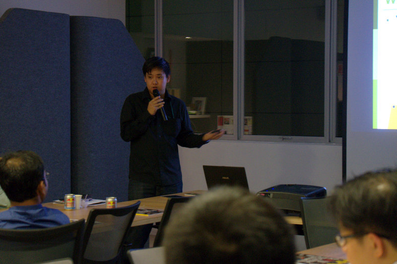 Next, Associate Editor of HardwareZone, Chong Seng, spoke about different technologies in both hardware and software development of tablets in the past few years.