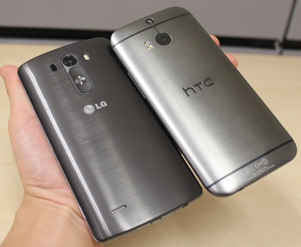 Imitation is the best form of flattery; the LG G3's rear has a metallic finish that is somewhat similar to that of the HTC One (M8).