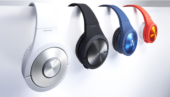 Pioneer's SE-MX7 comes in four colors.
