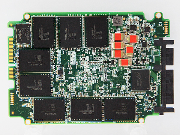 On the flip side, the PCB is equipped with six power-fail super capacitors (in orange) that helps prevent data loss/corruption in the event of a power failure.