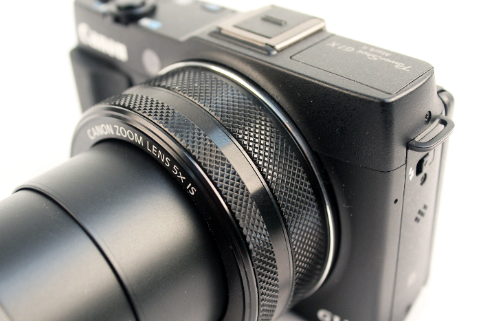 There are two control rings on the lens barrel of the G1 X Mark II. Both allow for customization.