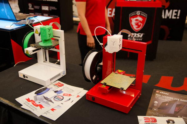There's also a 3D printing demonstration at the roadshow.