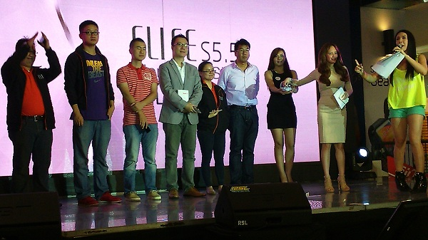 Executives and representatives of Gionee and its Philippine distributor, Belexis, at the launch of the ELIFE S5.5. From left to right: Gionee's Head of Global Marketing Oliver Sha (fourth person), Belexis Concept Inc. President Michael Bangayan (sixth person), and Ellen Adarna (eighth person).