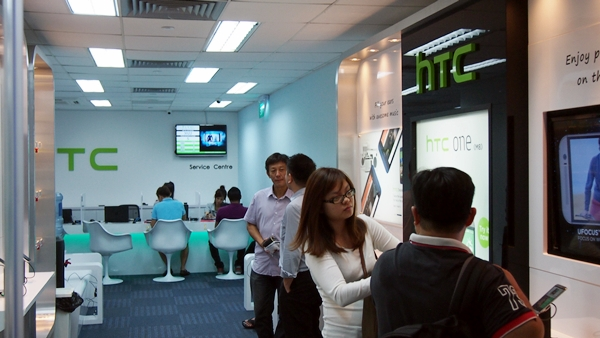 HTC's new customer service centre is located at TripleOne Somerset, 111 Somerset Road, #11-01.
