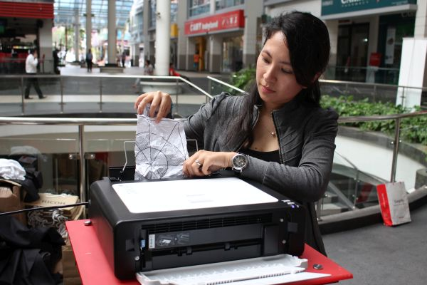 The SP112 series printer prints on crumpled, and even torn paper, without jamming up the printer.