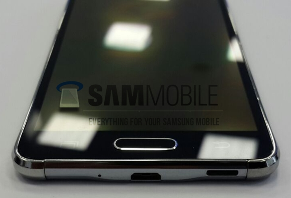 There is a metallic frame around the Samsung Galaxy Alpha. <br> Image source: SamMobile