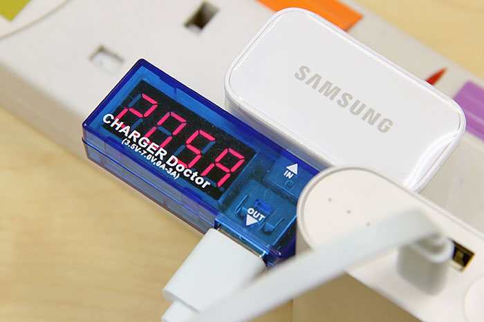 2A input allows the power bank to recharge its internal battery cells quickly.